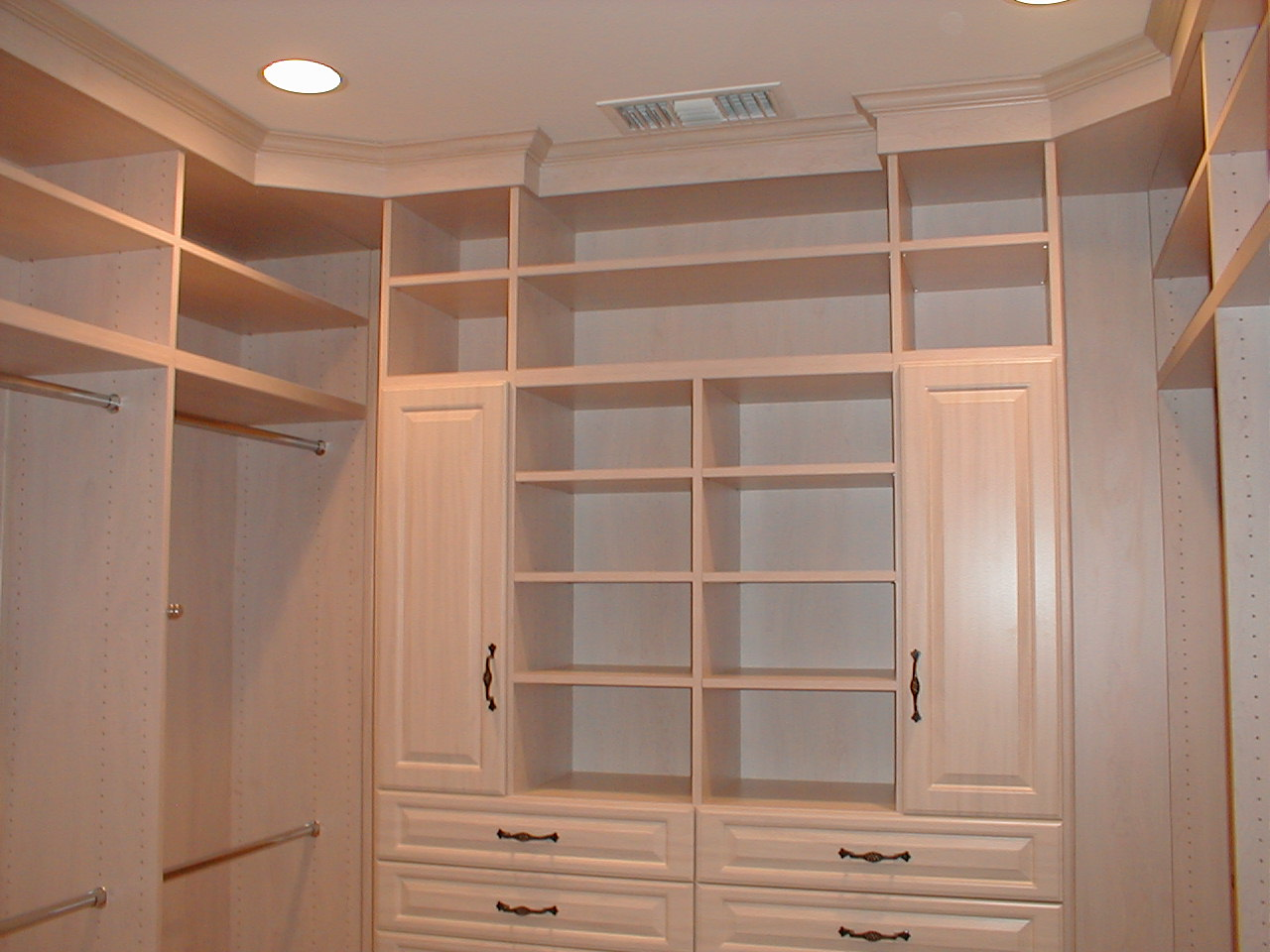 About walk in closets