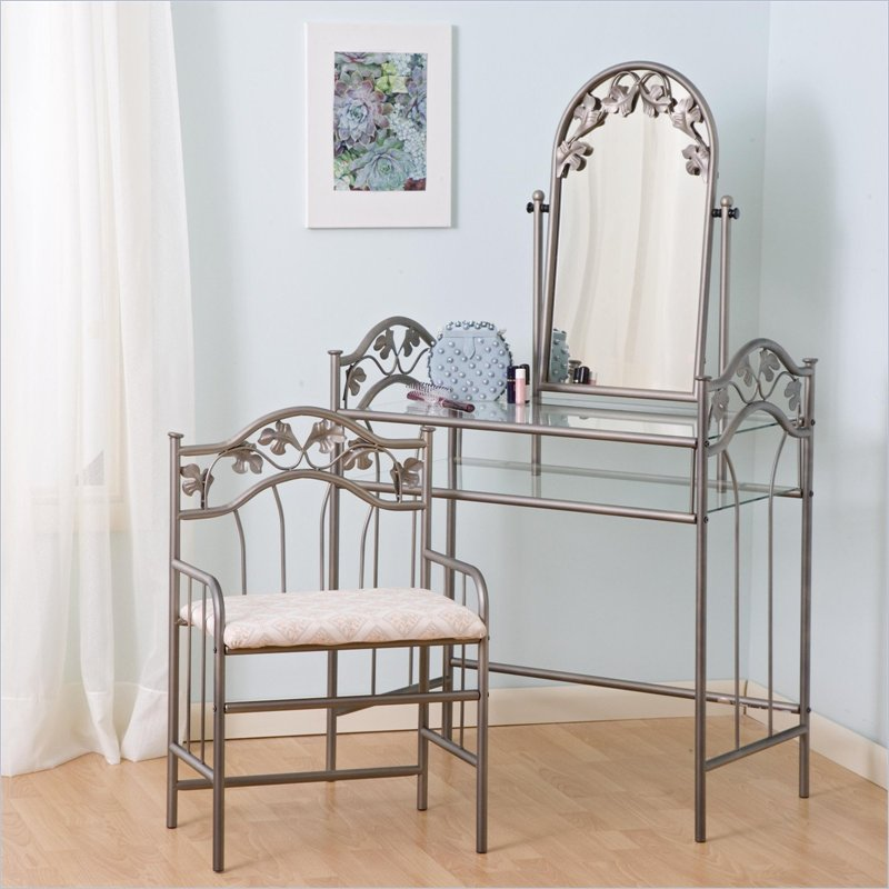 Picture of: Flower pattern mirrored vanity table