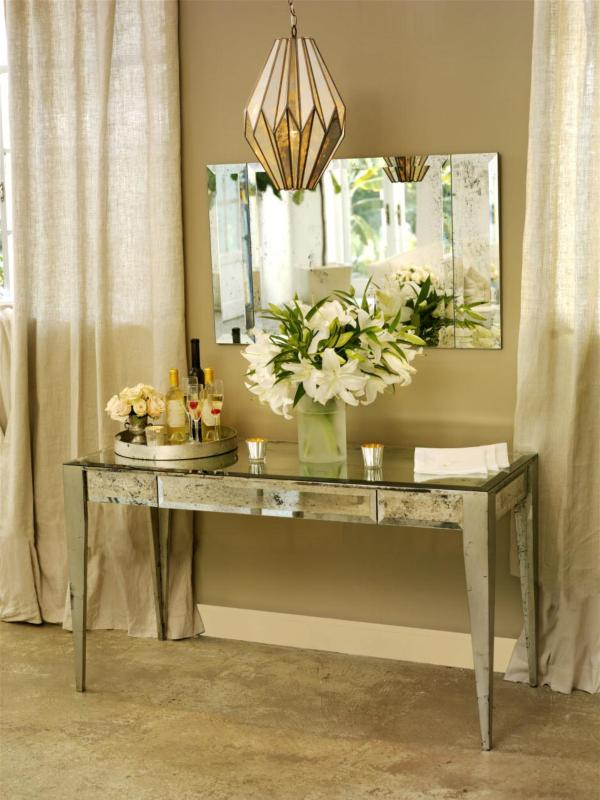 Notre mirrored vanity table