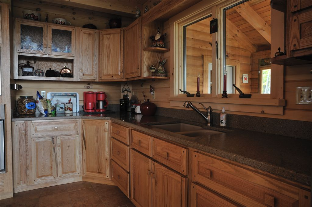 Picture of: Oak cabinets decor