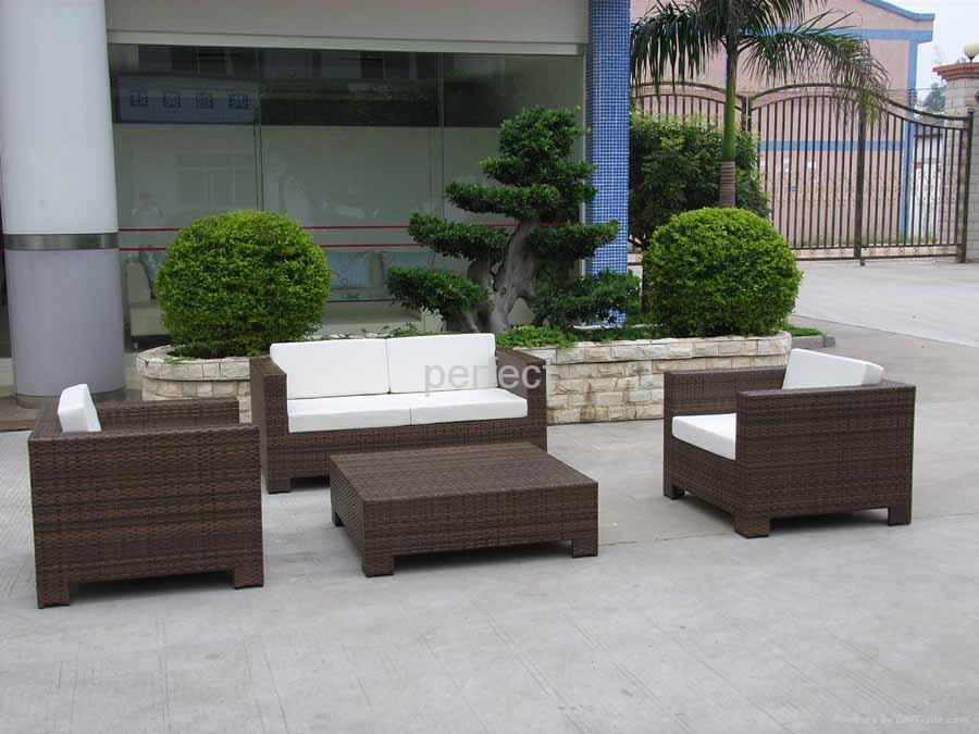 Image of: Perfect Garden Rattan Furniture