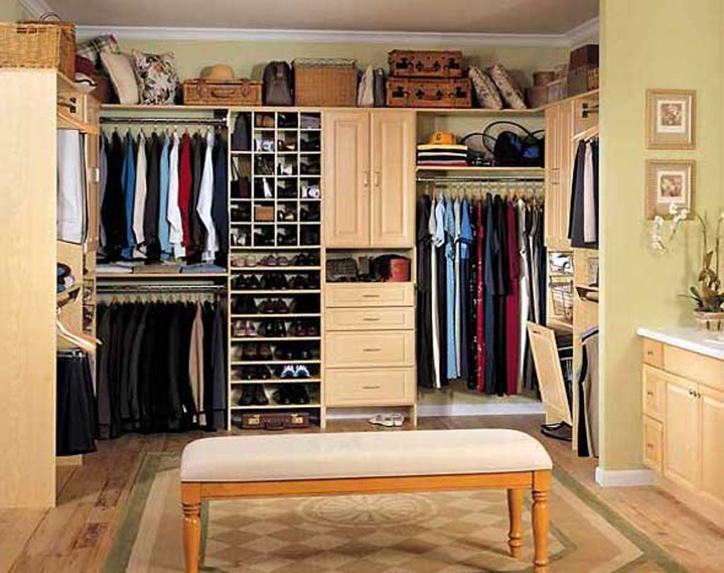 Image of: The walk in closets Design ideas
