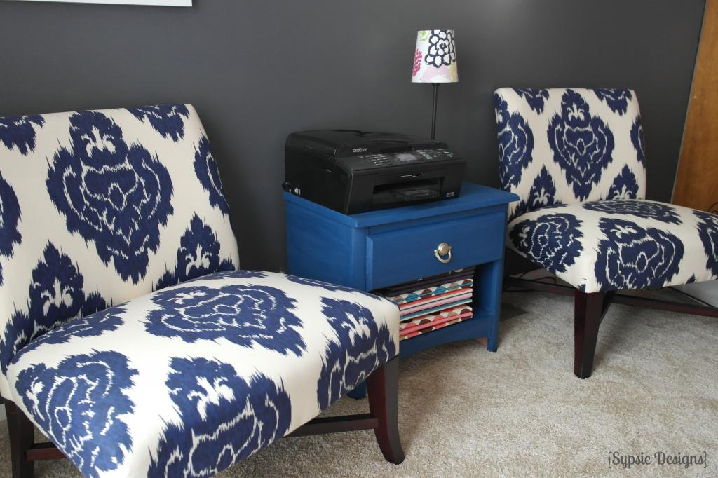 Image of: blue accent chair design