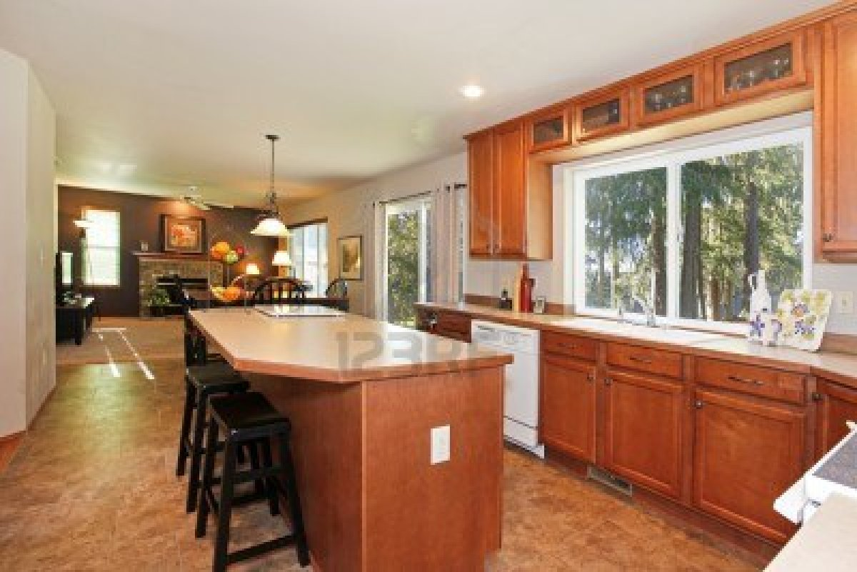 Picture of: kitchen Oak cabinets image