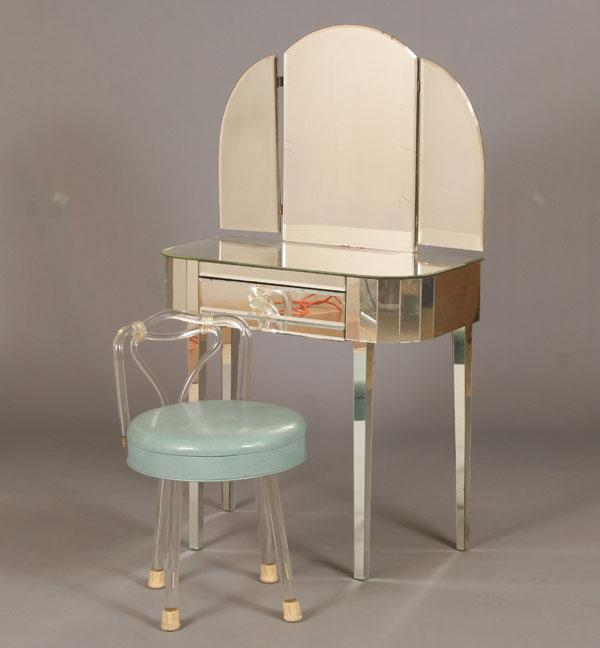 Picture of: mirrored vanity table ideas