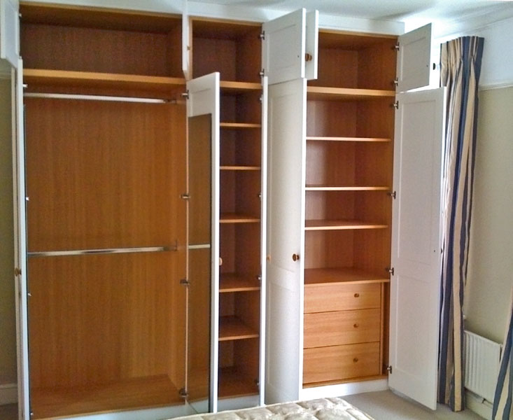 Picture of: rack 2 door armoire