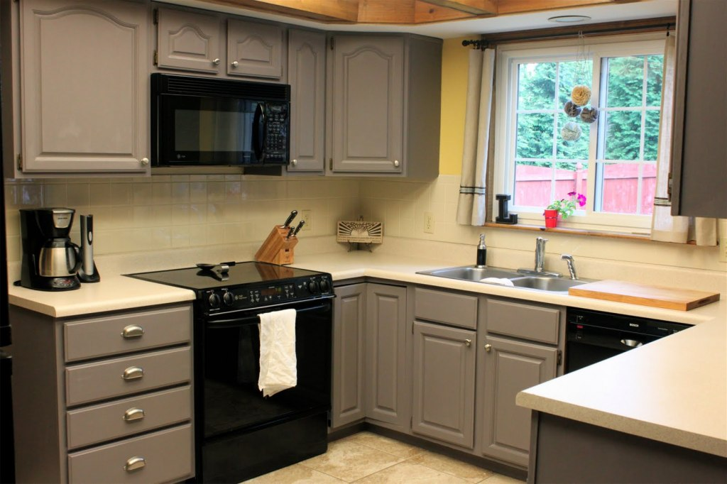 Picture of: refacing kitchen cabinet refinishing