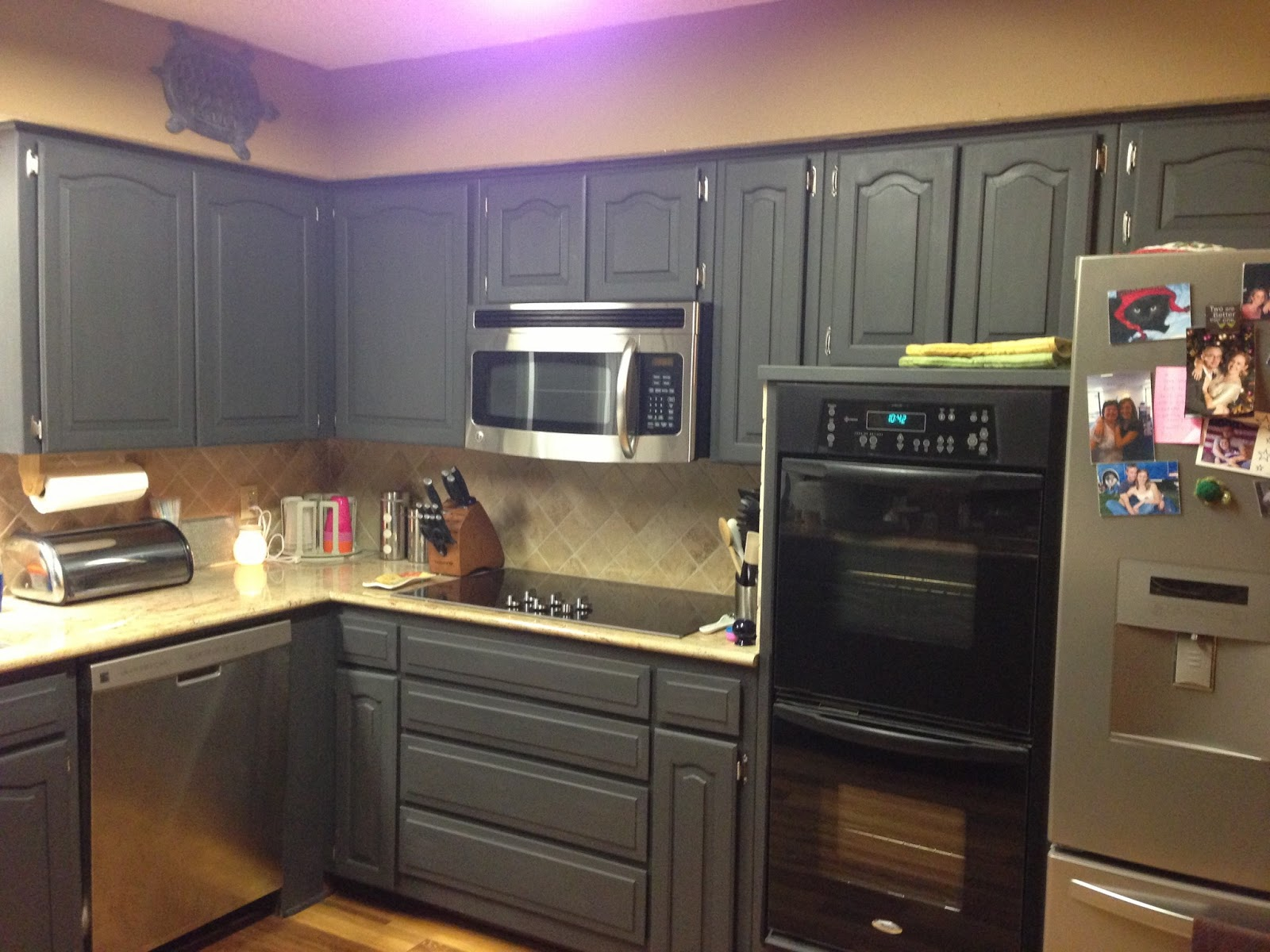 Image of: Chalk Paint Kitchen Cabinets black