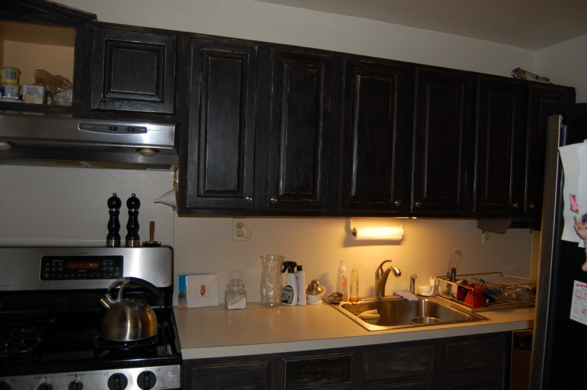 Image of: Chalk Paint Kitchen Cabinets simple color