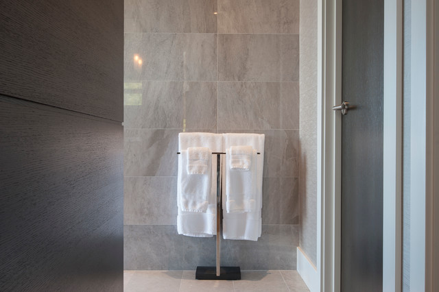 Picture of: contemporary free standing towel rack