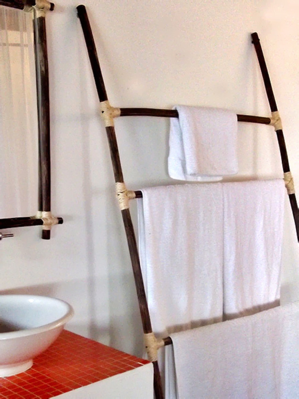 Image of: design of free standing towel rack