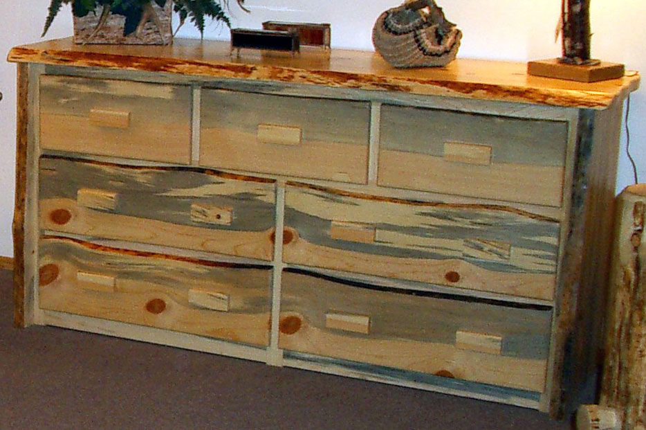 Picture of: pine dresser