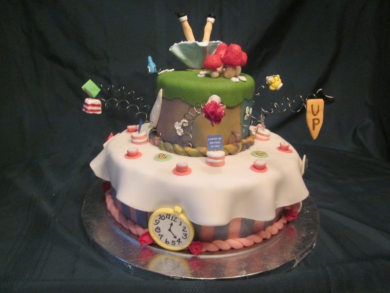 Picture of: Alice in Wonderland Nursery Cake