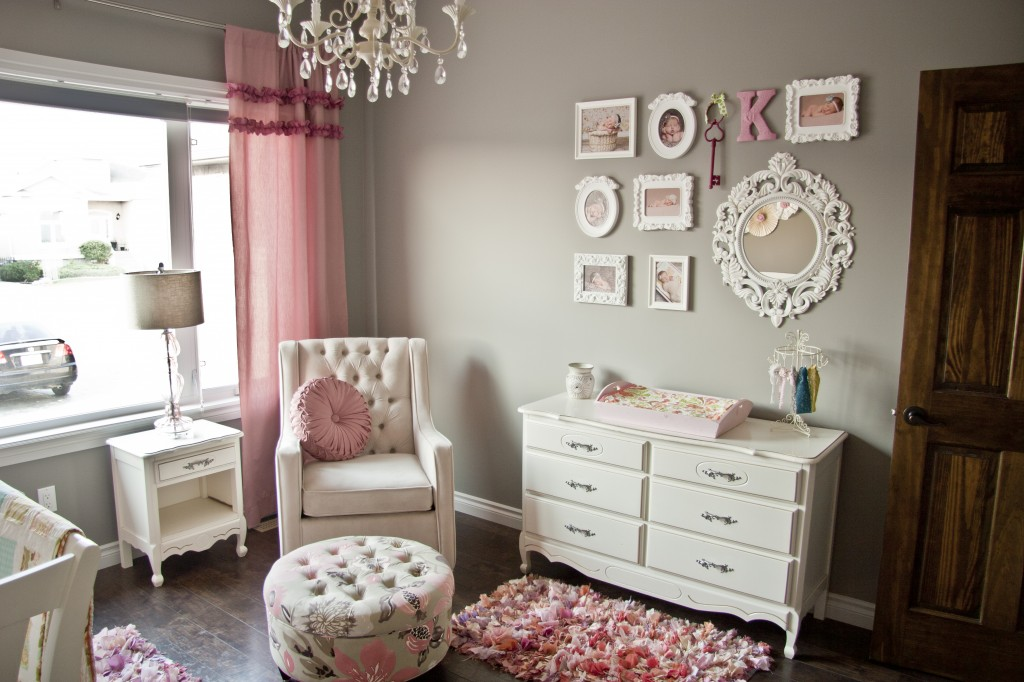 Picture of: Simple But Elegant Alice in Wonderland Nursery Decor