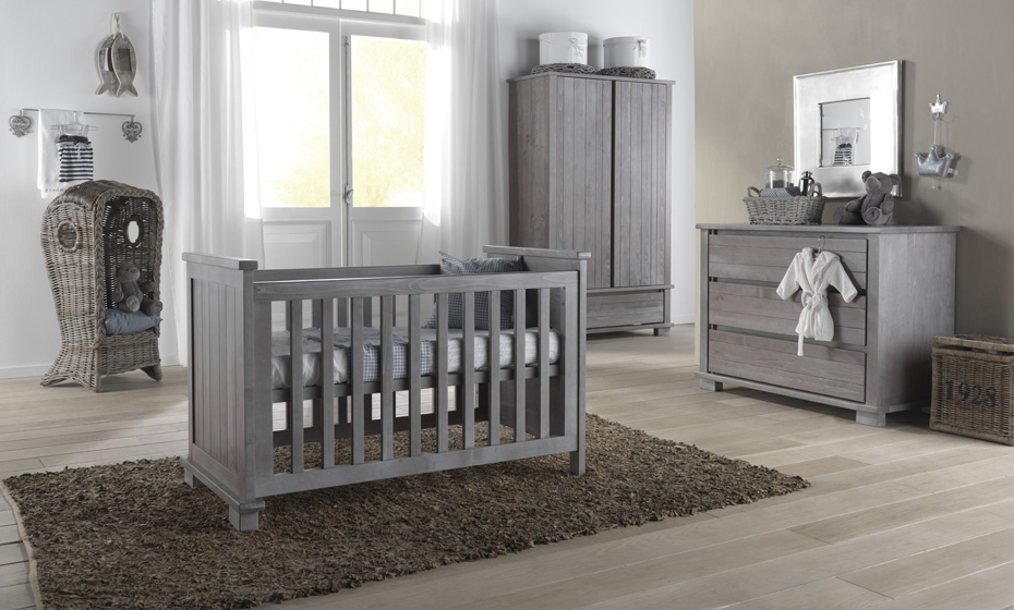 Image of: Baby Nursery Furniture Sets save