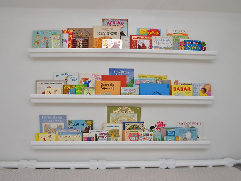 Image of: Bookshelf for Nursery Nice