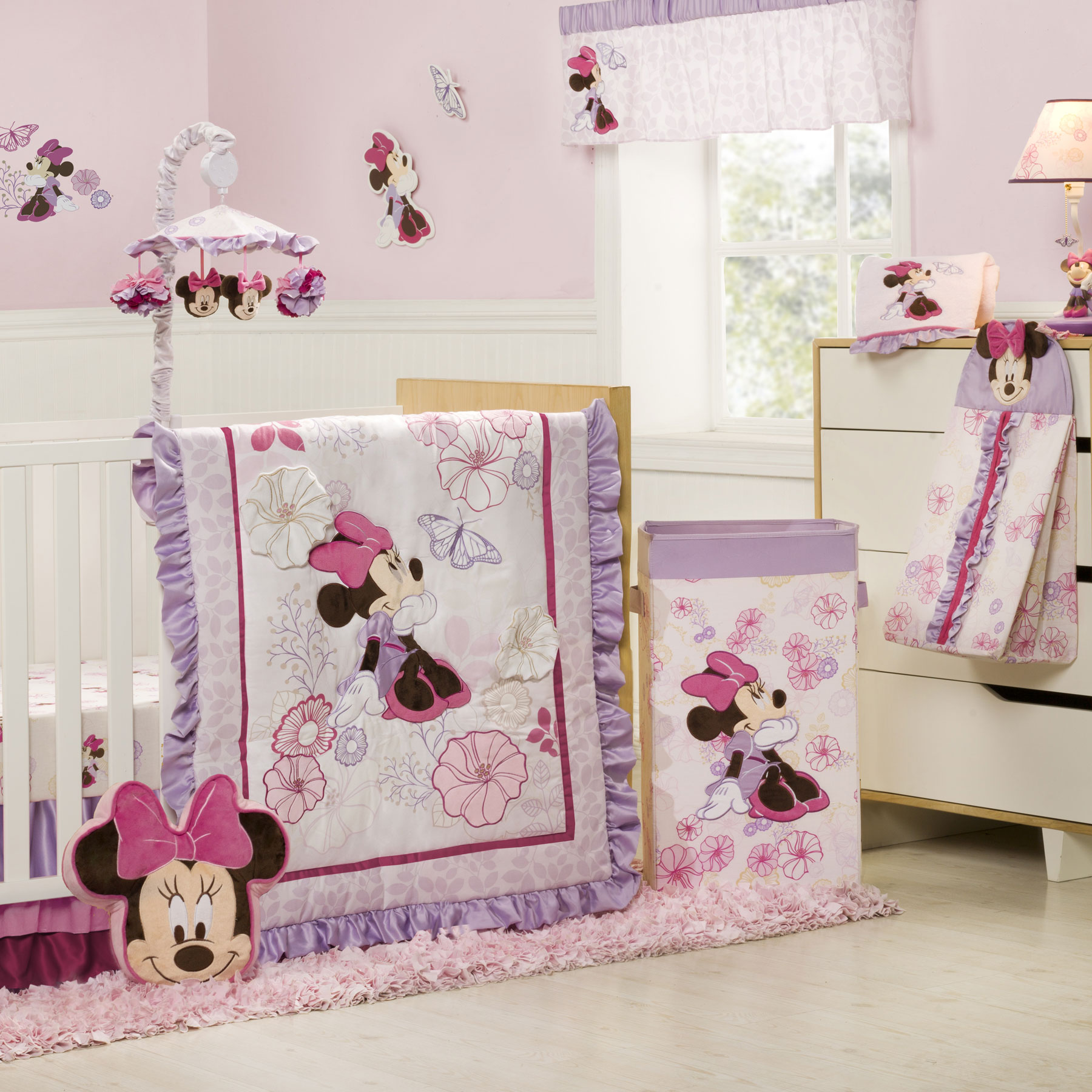 Picture of: Minnie Mouse Nursery Ideas
