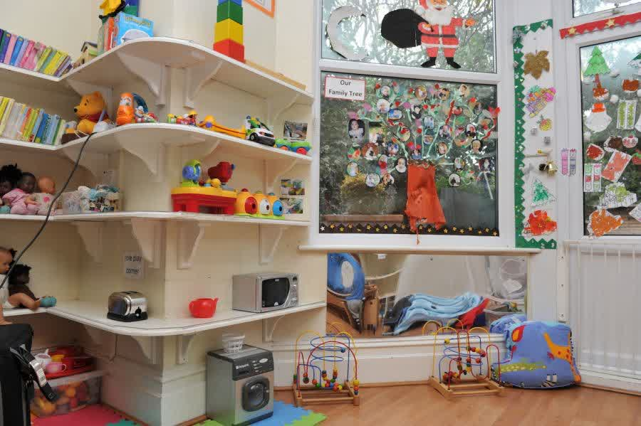 Image of: Small Montessori Nursery Ideas