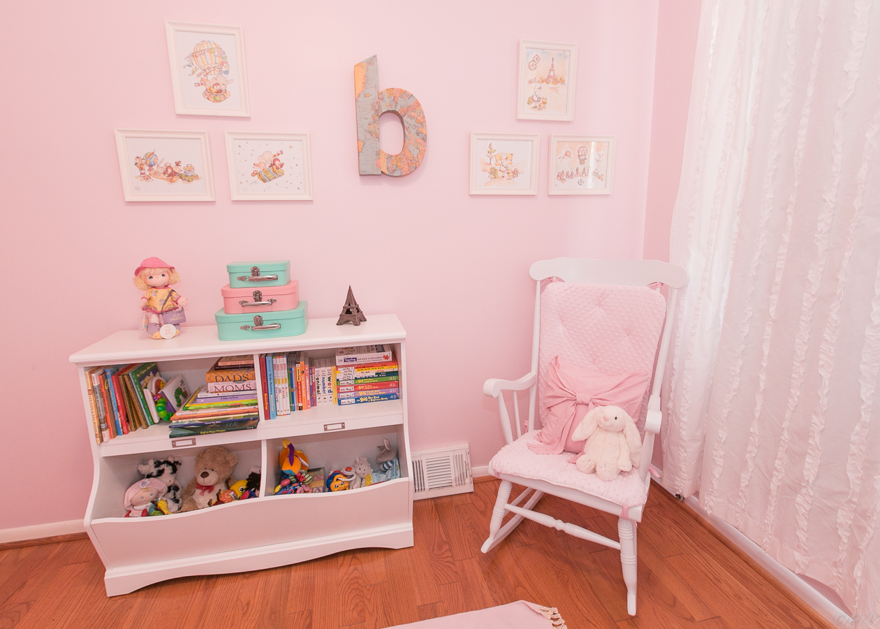 Picture of: Nursery Rocking Chair Queen