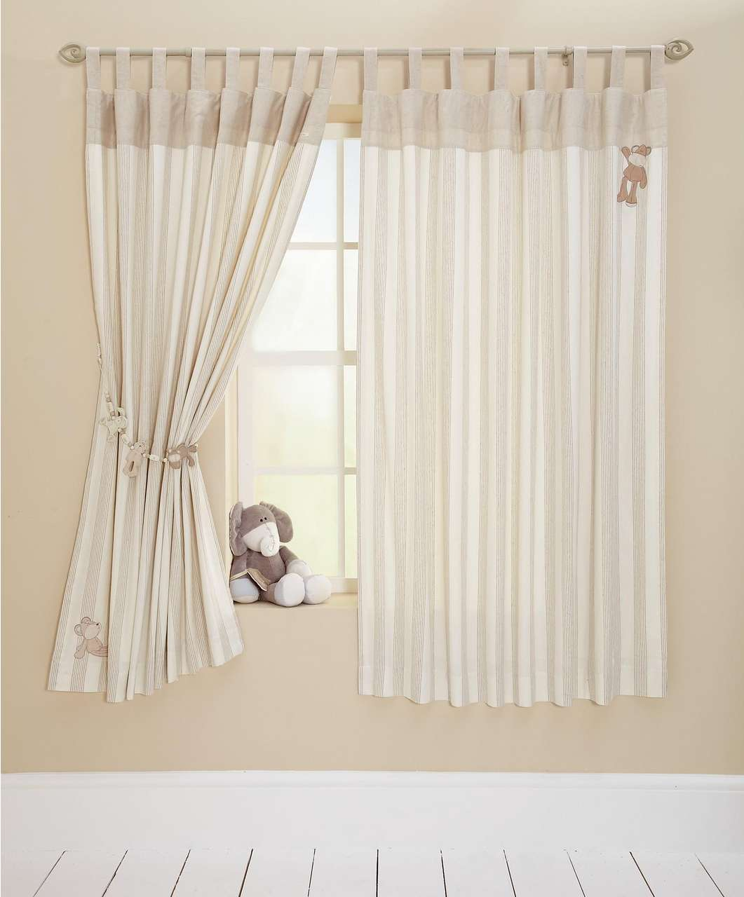Picture of: Nursery curtains ideas