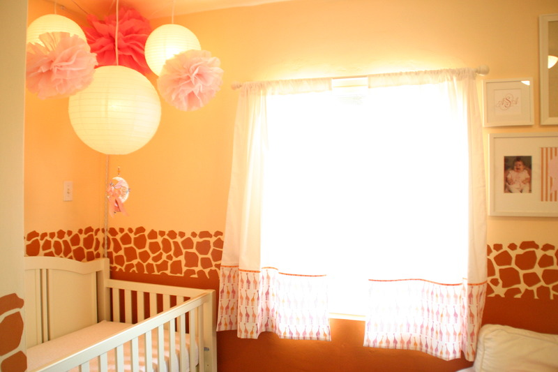 Image of: Orange Giraffe Nursery