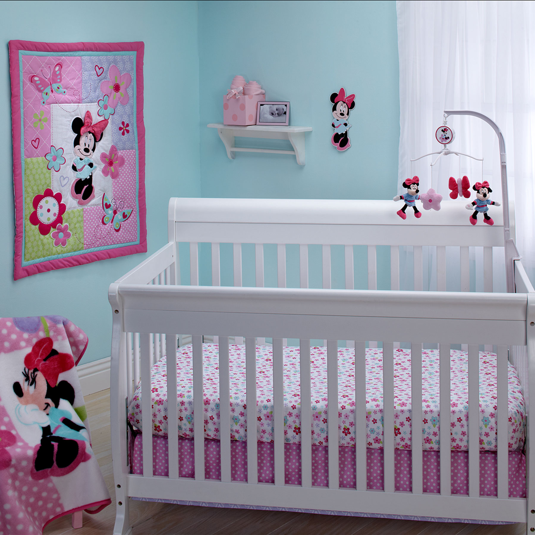 Picture of: Simple Minnie Mouse Nursery