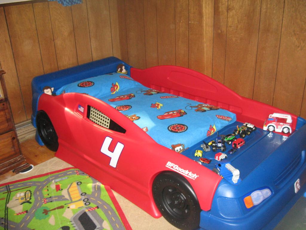 Picture of: Best Race Car Toddler Bed