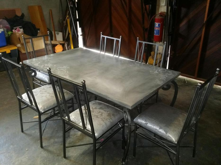 Image of: Pewter Dining Table
