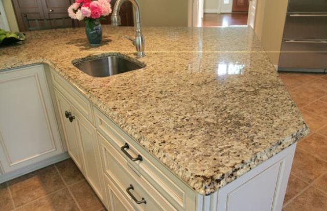 Image of: Venetian Gold Granite Kitchen