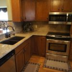 Venetian Gold Granite With Oak Cabinets