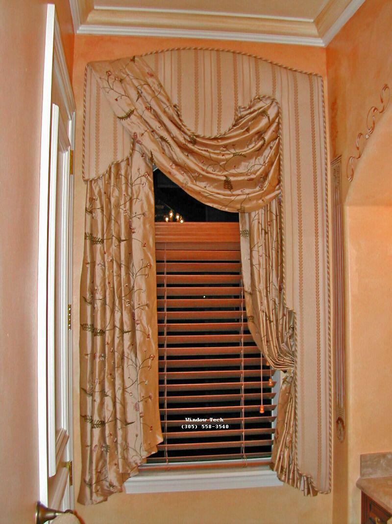 Picture of: Window Cornice Wood