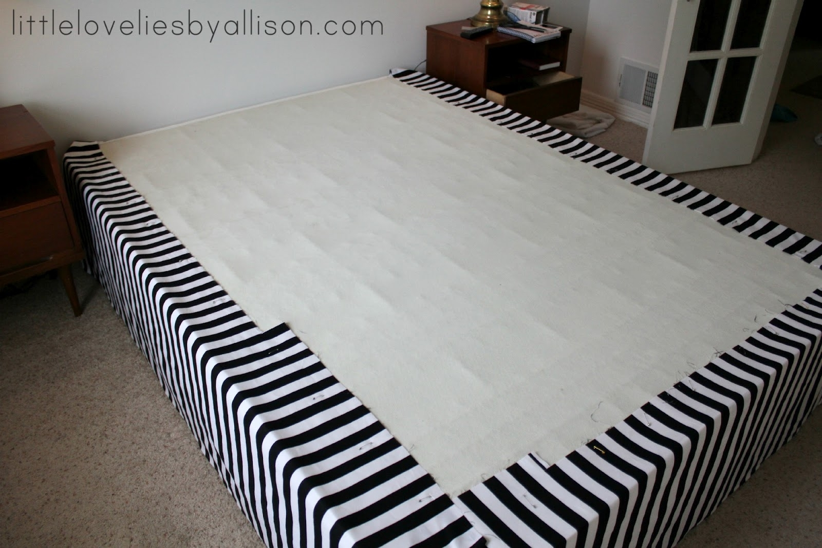 Image of: Dust Ruffles For Queen Size Bed