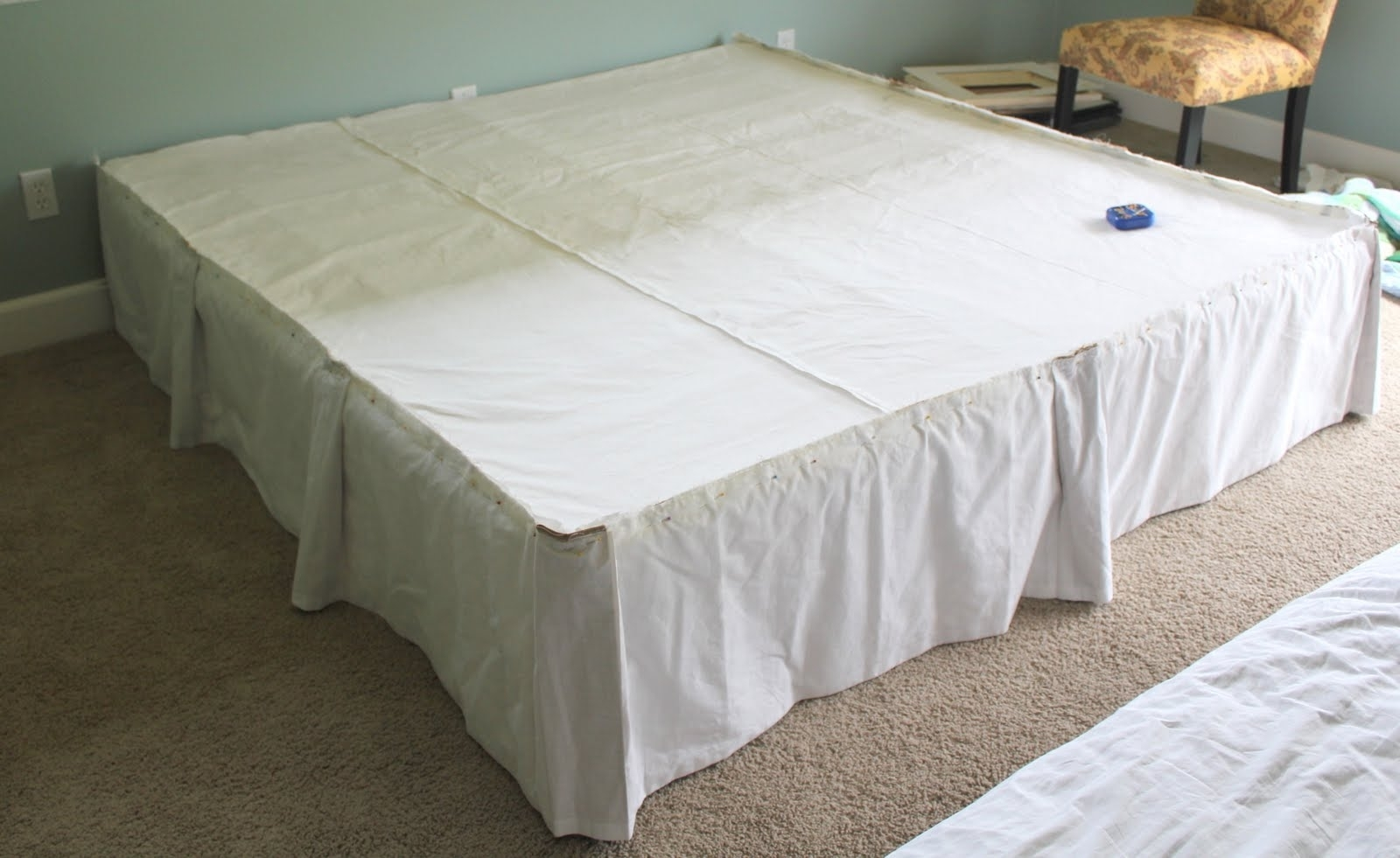 Image of: Dust Ruffles For Xl Twin Beds