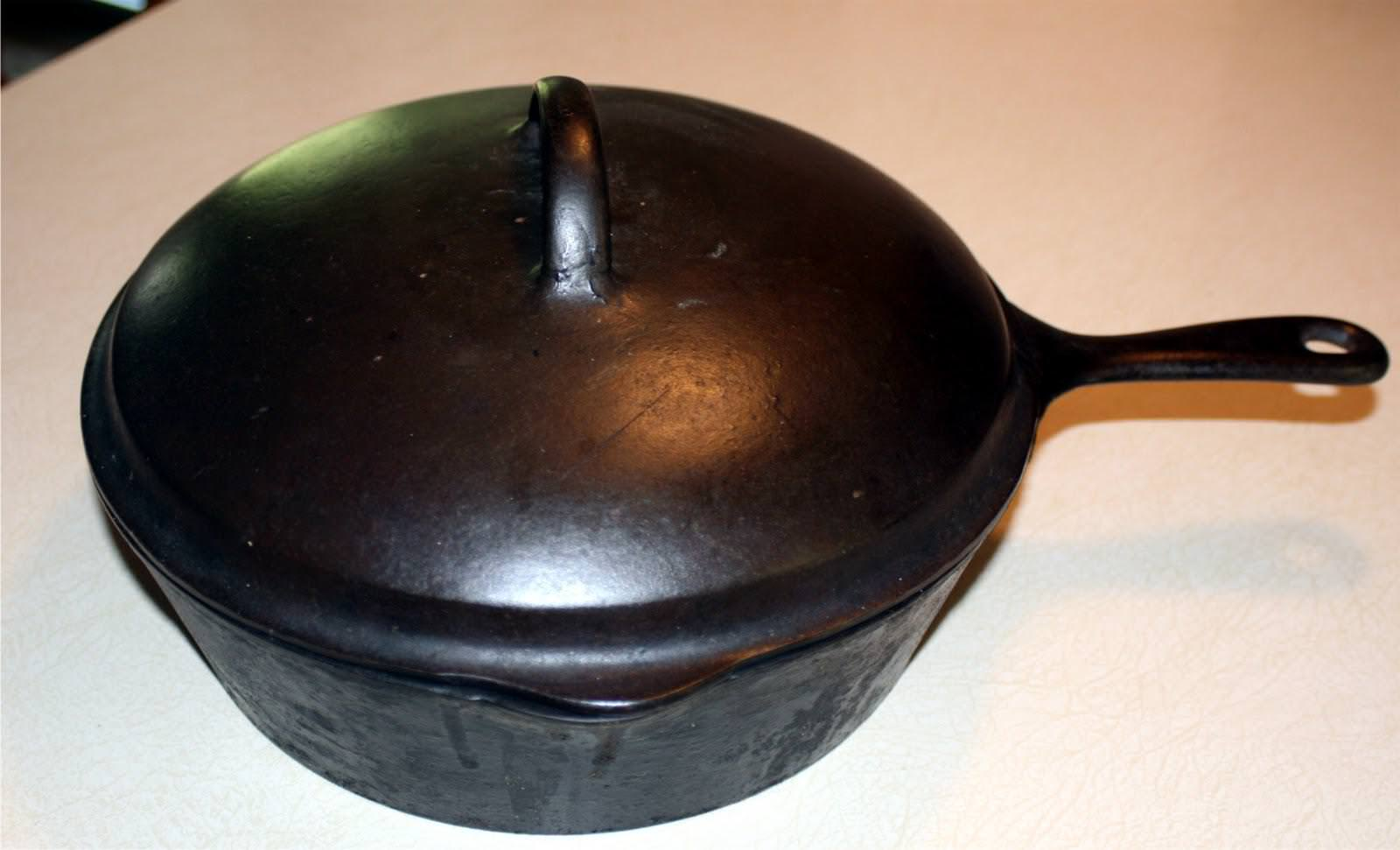 Picture of: Antique Cast Iron Skillet Griswold