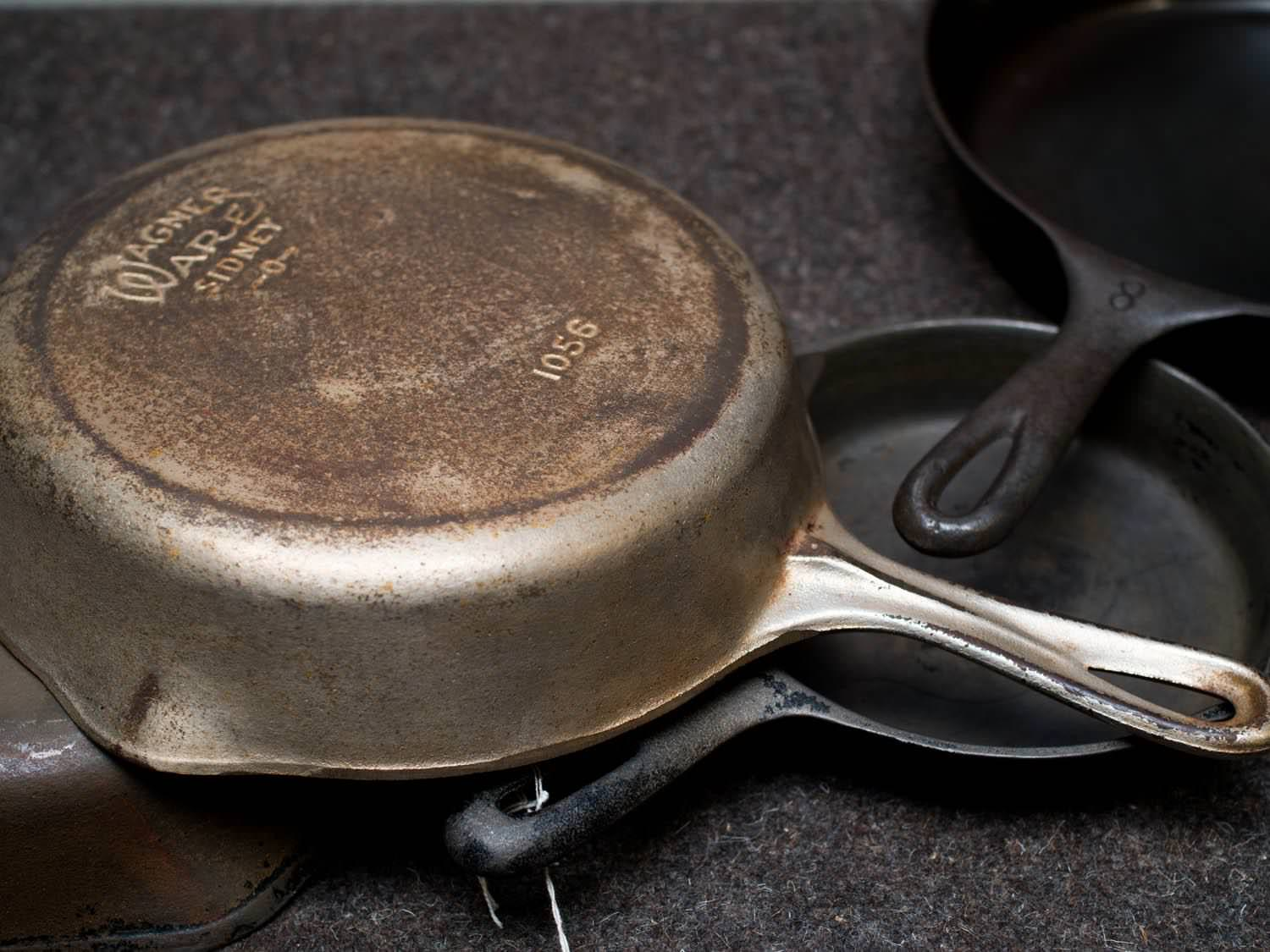 Image of: Antique Cast Iron Skillet Identification Guide