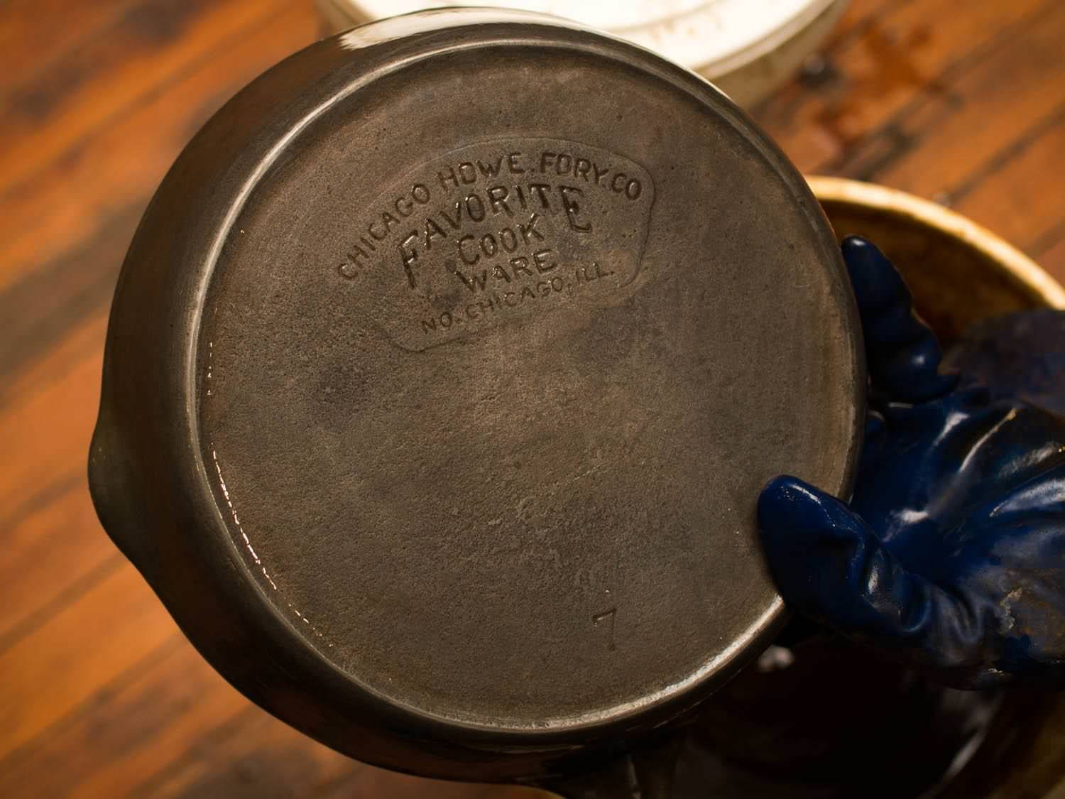 Image of: Antique Cast Iron Skillets Prices
