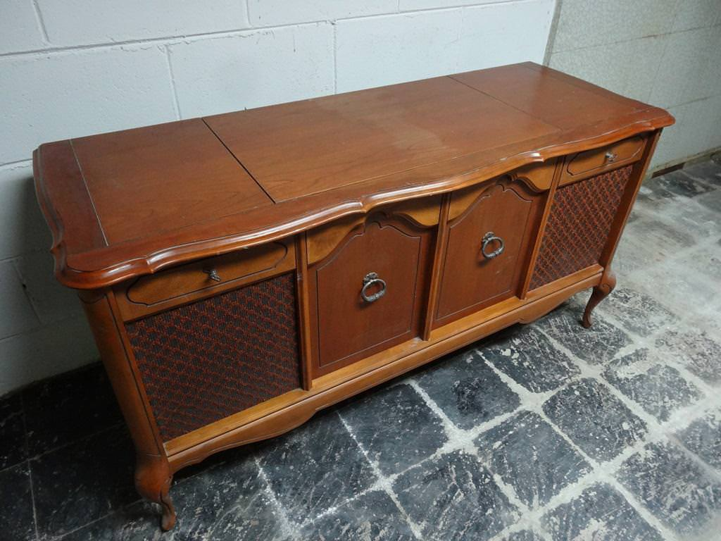 Image of: Antique Record Player Radio Cabinet
