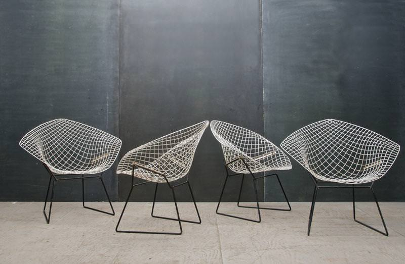 Image of: Bertoia Chair Outdoor