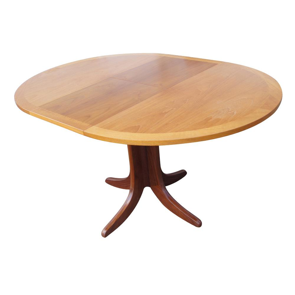 Image of: Extendable Dining Table For Sale