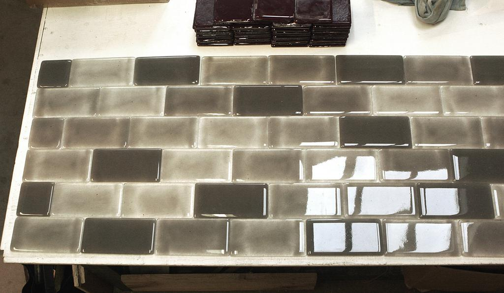 Picture of: Glass Subway Tile At Lowes