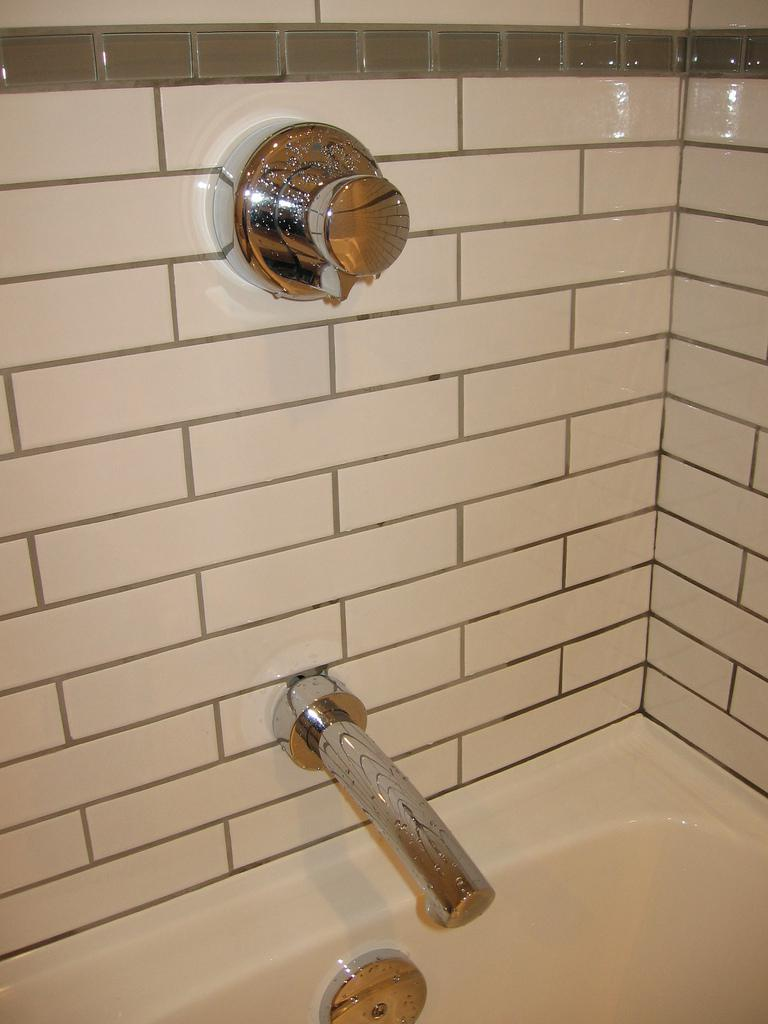 Image of: Glass Subway Tile White
