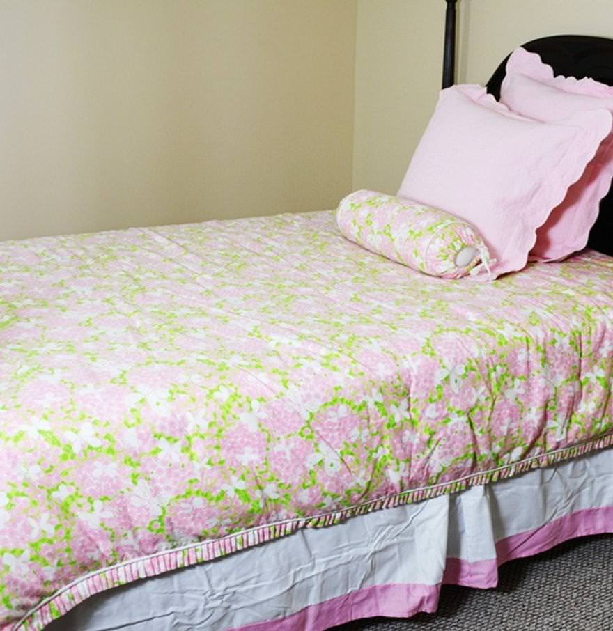 Image of: Lilly Pulitzer Quilt