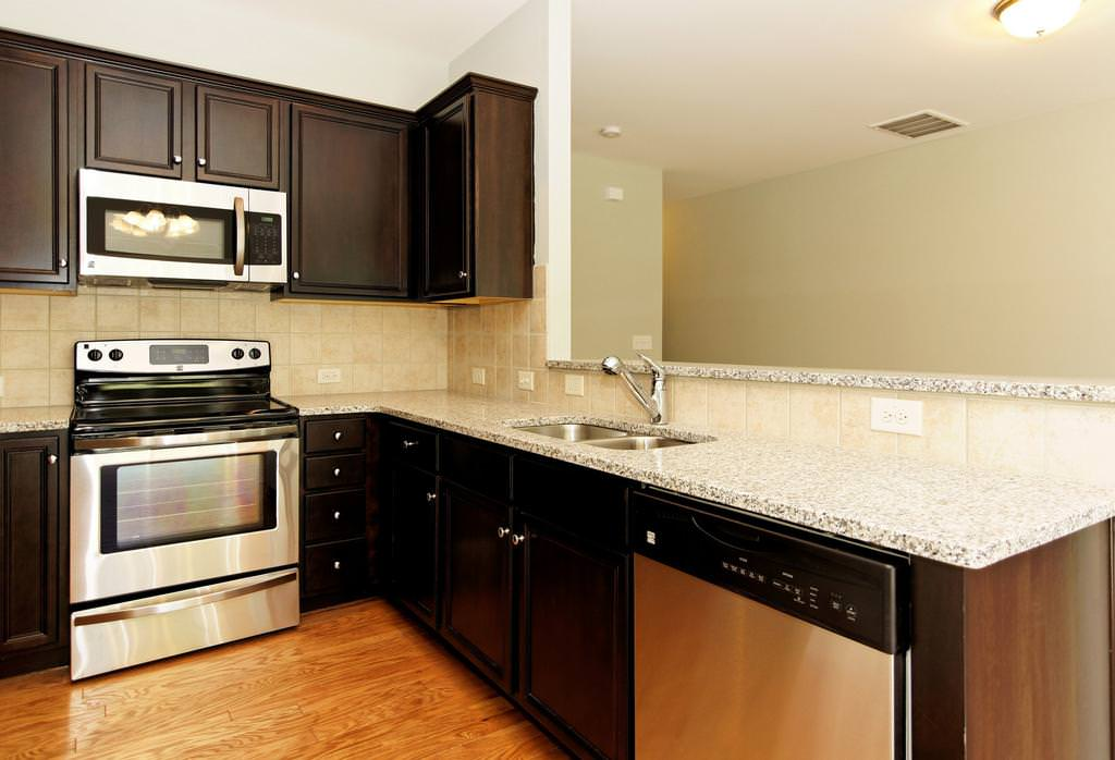 Image of: Luna Pearl Granite Reviews