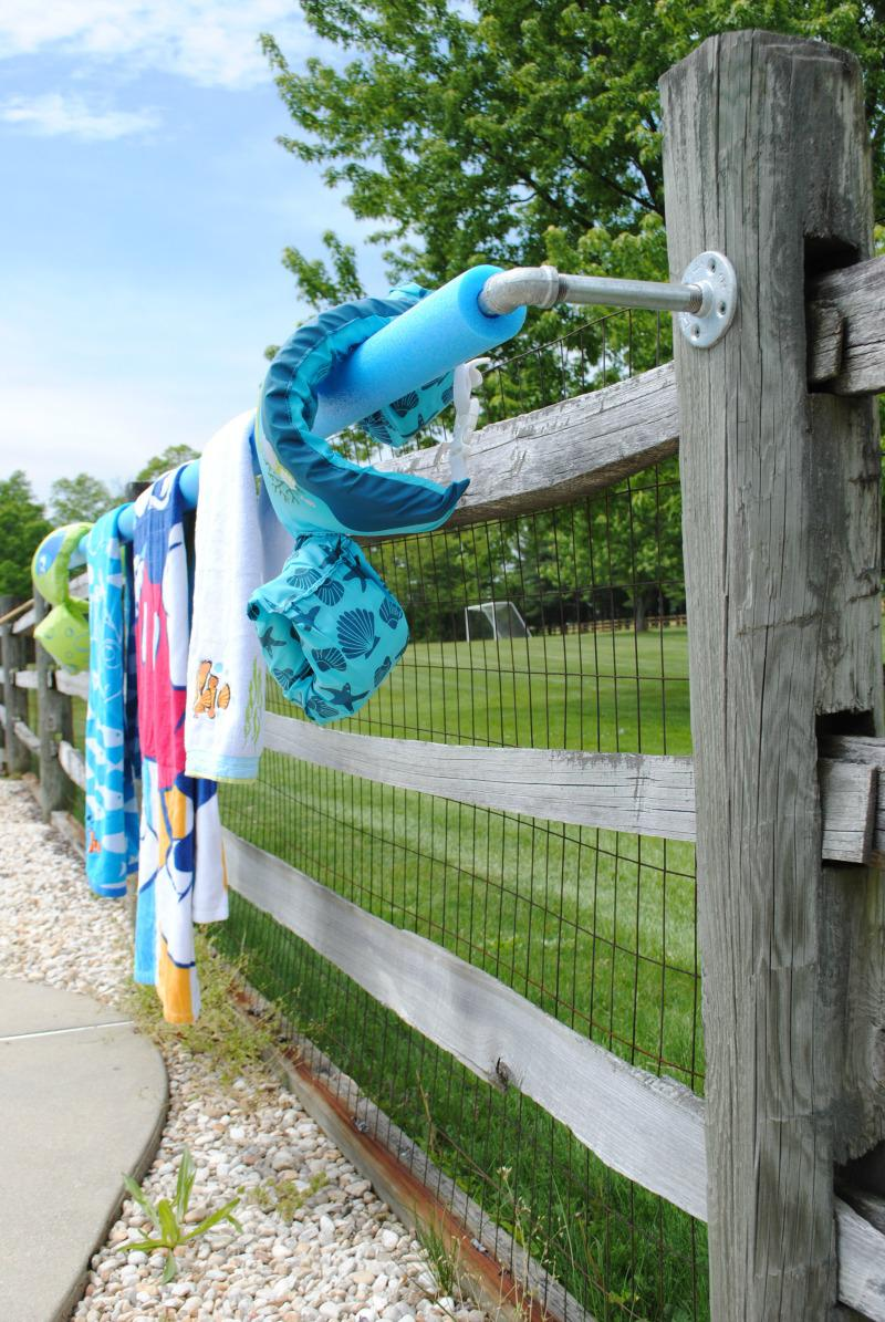 Picture of: Pool Towel Rack Pallet