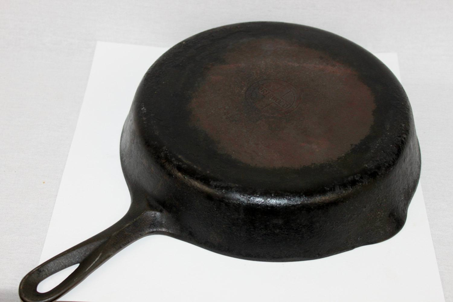 Picture of: Vintage Cast Iron Bread Pan