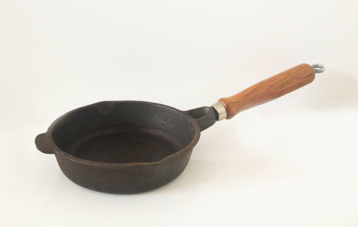 Image of: Vintage Cast Iron Breakfast Skillet