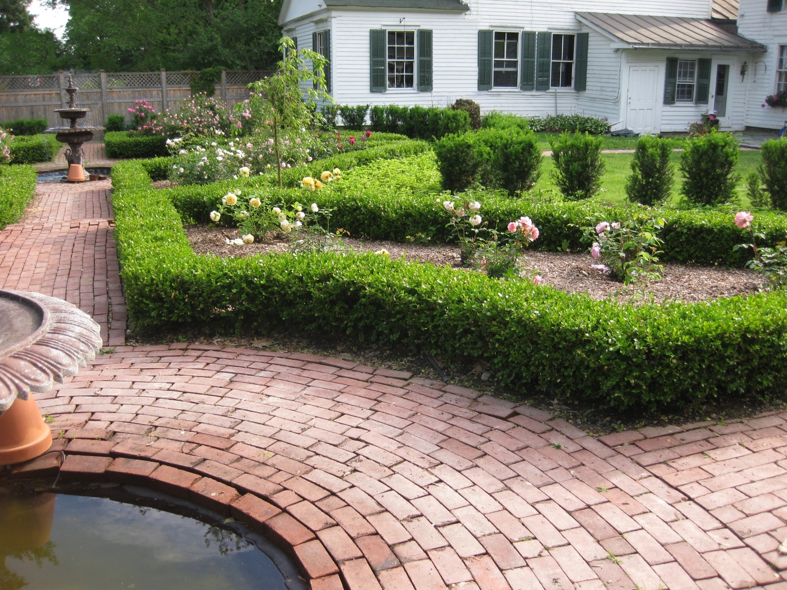 Image of: Boxwood Hedge Wall