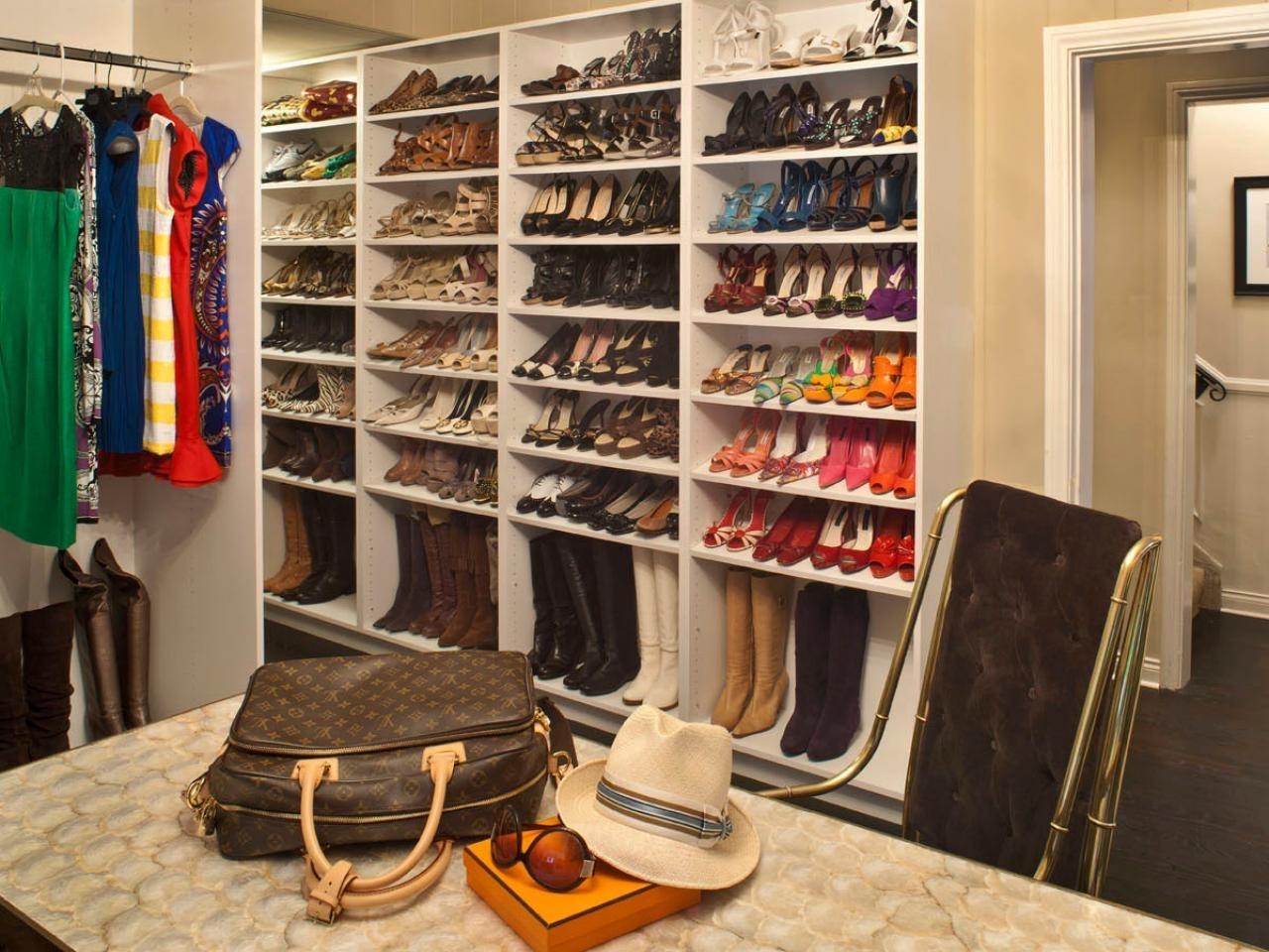 Image of: Build A Rotating Shoe Rack