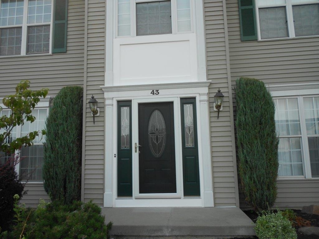 Picture of: Front Door With Sidelights And Storm Door