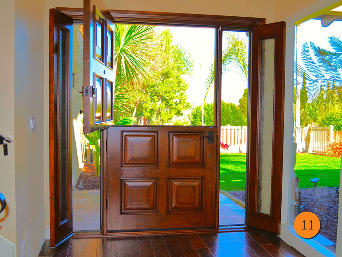 Picture of: Front Door With Sidelights That Open